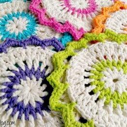 Lotus Bloom Dishcloth Pattern by Fiber Flux