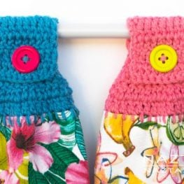 Crochet Towel Holder Pattern from Naztazia