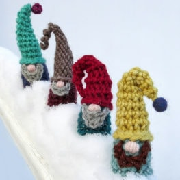 Scandinavian Santa Gnome Amigurumi | Christmas crochet patterns ... | 263x263