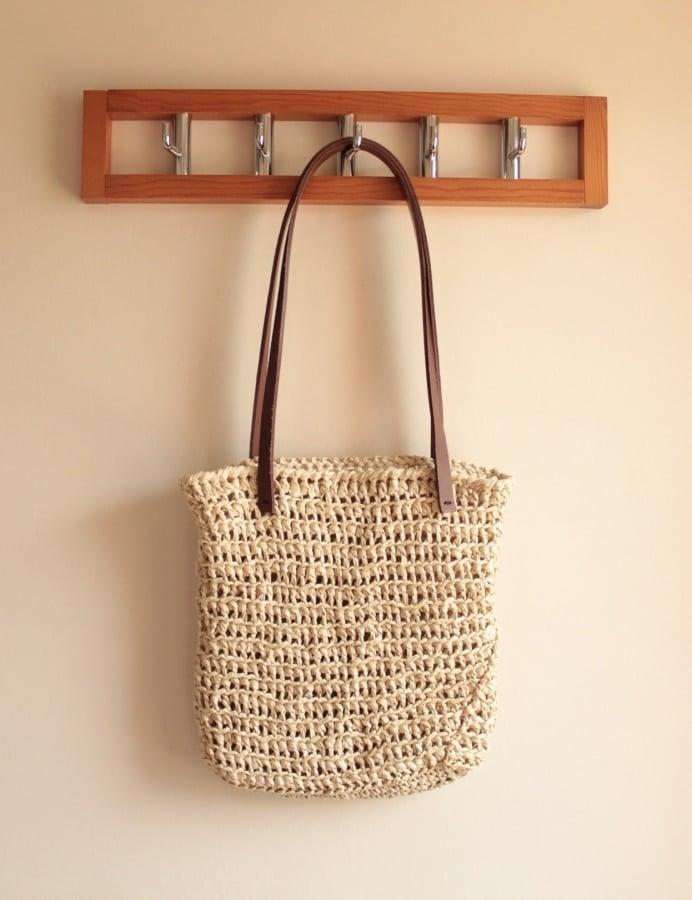 Perfect Oval Raffia Bag Tutorial