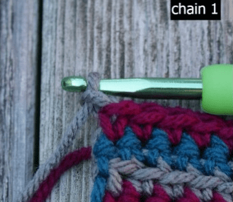 Learn how to change yarn colors, without cutting and finishing off your current color, by following the instructions in this photo tutorial.