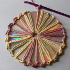How to Crochet Around a CD