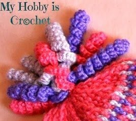 Crochet Curlicues Tutorial - Learn how to make crochet curlicues with these photo and video tutorials and crochet chart.