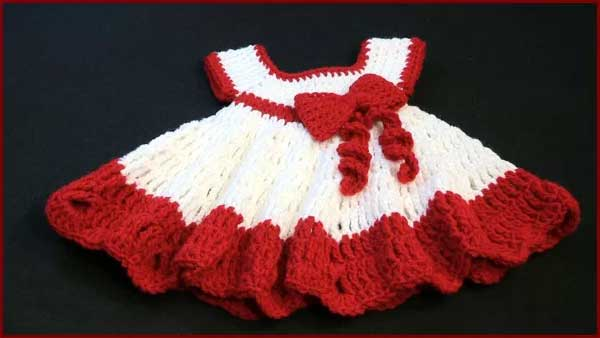 Free Crochet Tutorials has hundreds of photo and video tutorials. This video tutorial teaches you how to crochet the baby dress with bow.