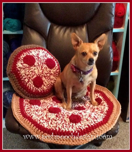 Pizza Pillow Video Tutorial And Free Pattern Free Crochet Tutorials